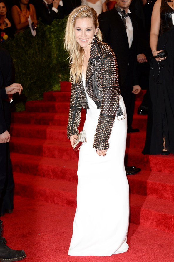 The gorgeous Sienna Miller in Burberry